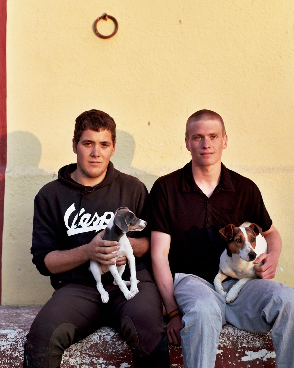 comissions-1-beau-locals-at-the-stable-sya-spain-zaragoza-hi-res-web